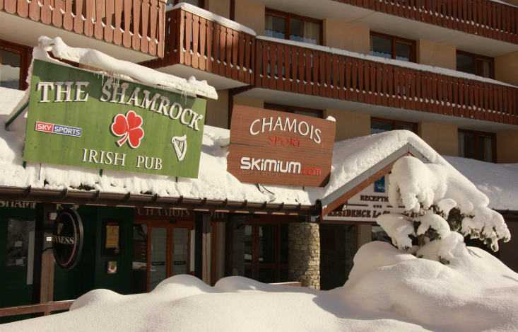 Chamois Sports, next door to Shamrock, Val Thorens