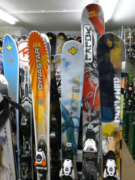 Val Thorens ski shops - hire skis