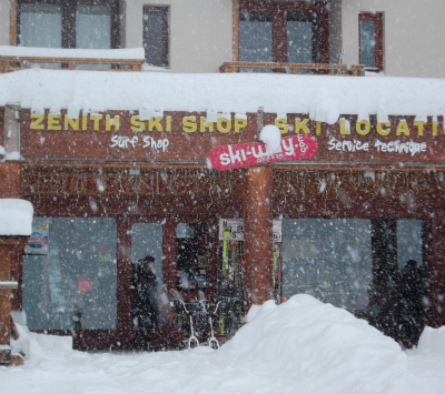 Val Thorens ski shops - view of Zenith ski shop